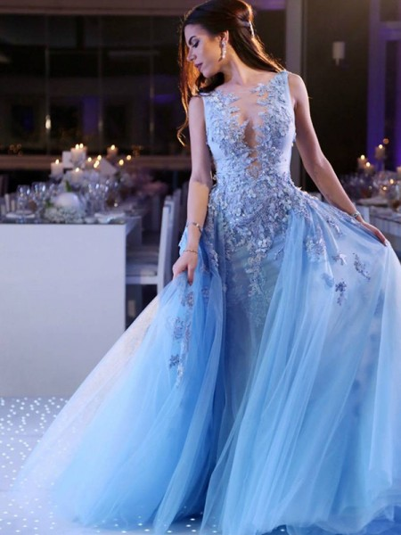 Ball Gown Scoop Sleeveless Applique Tulle Sweep/Brush Train Dresses