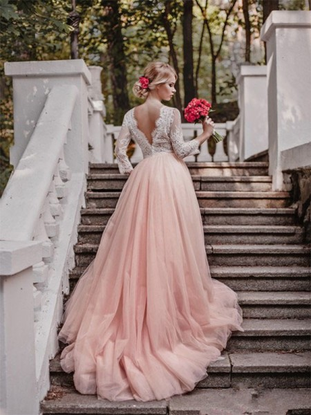 Ball Gown Long Sleeves V-neck Tulle Applique Court Train Wedding Dresses
