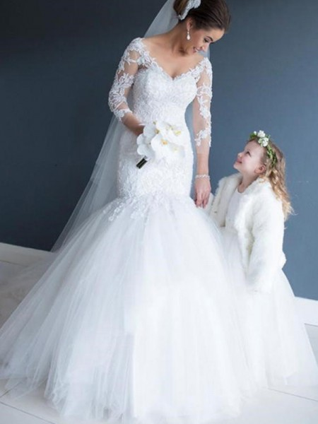 Trumpet/Mermaid 3/4 Sleeves V-neck Lace Tulle Court Train Wedding Dresses