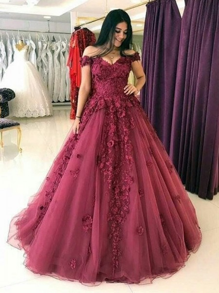 Ball Gown Off-the-Shoulder Sleeveless Applique Tulle Sweep/Brush Train Dresses