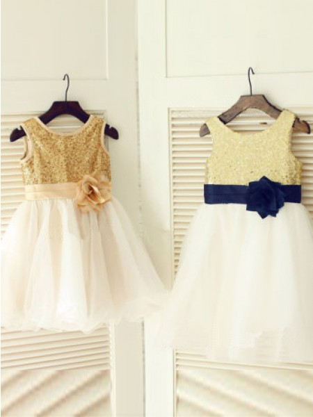 A-line/Princess Hand-Made Flower Tulle Scoop Sleeveless Long Dresses
